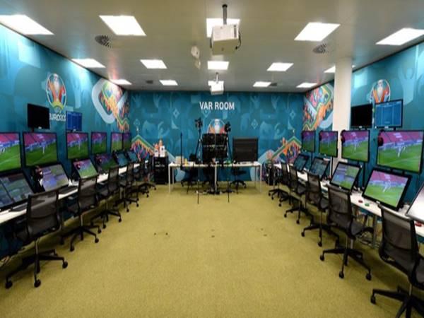 Công nghệ VAR được áp dụng triệt để UEFA EURO 2020