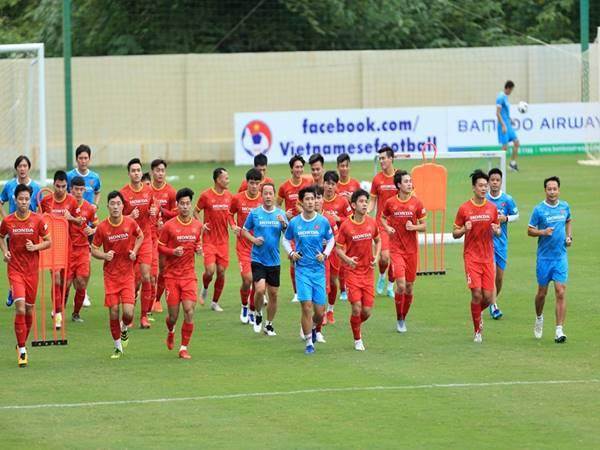 Bóng đá Việt Nam ngày 15/9: Đội tuyển Việt Nam hội quân trở lại