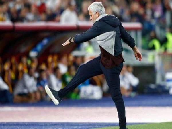 Bóng đá Quốc Tế chiều 25/10: Mourinho gây náo loạn Serie A